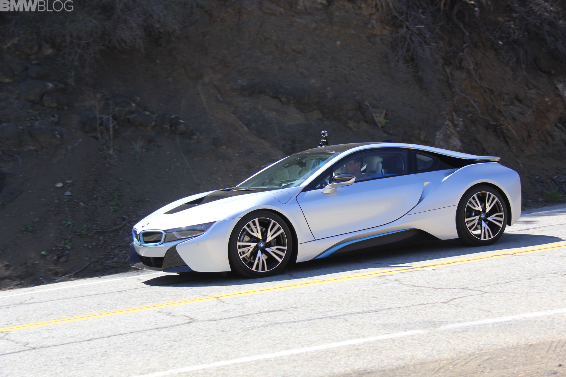 Motor Trend Reviews The Bmw I8