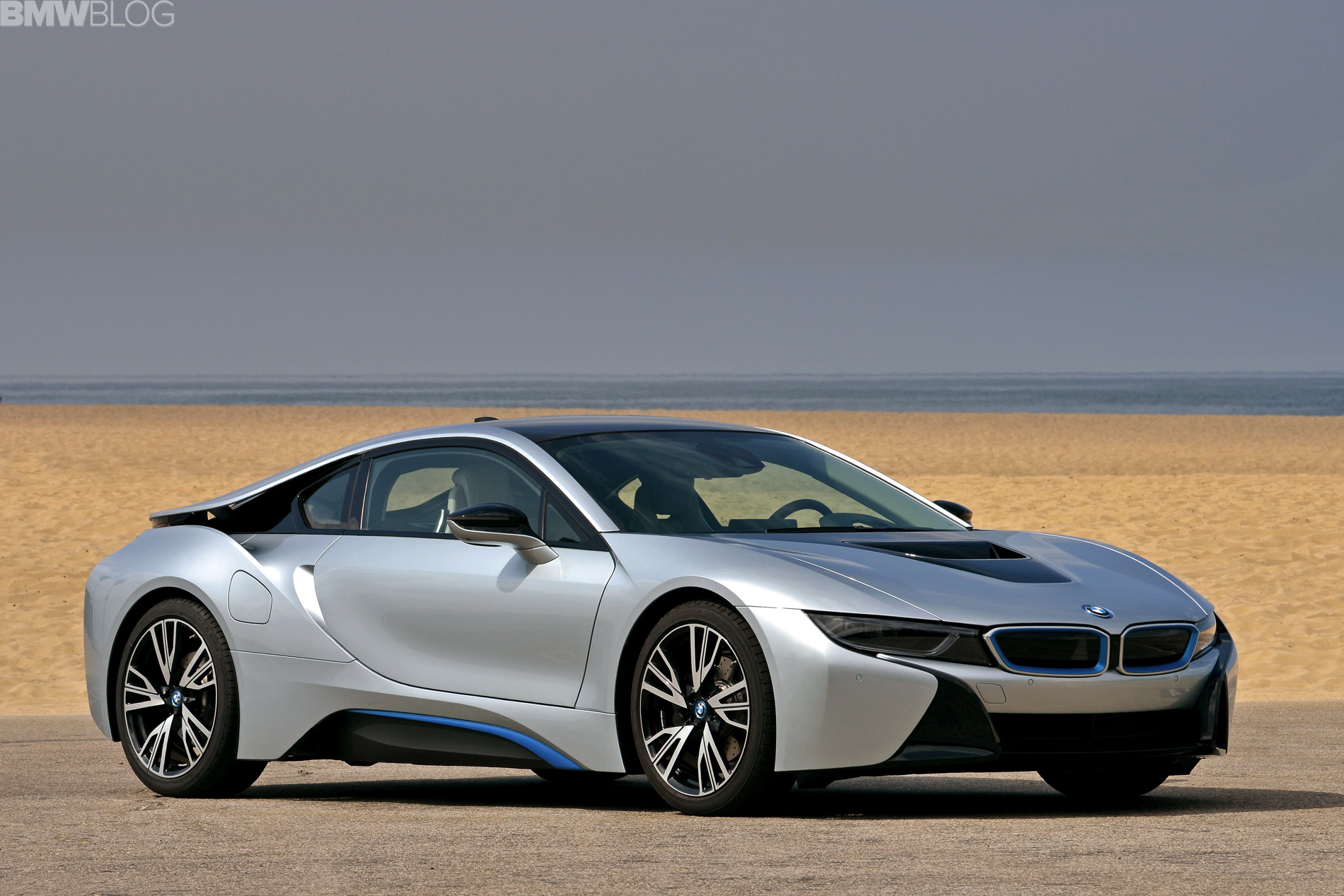 VIDEOS: 2015 BMW i8 in Los Angeles