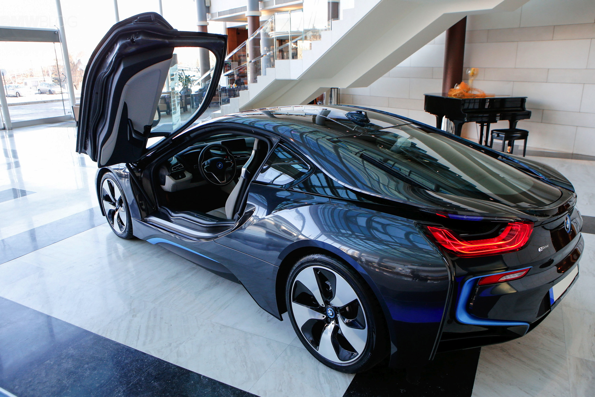 2015 bmw i8 photoshoot sofia 01