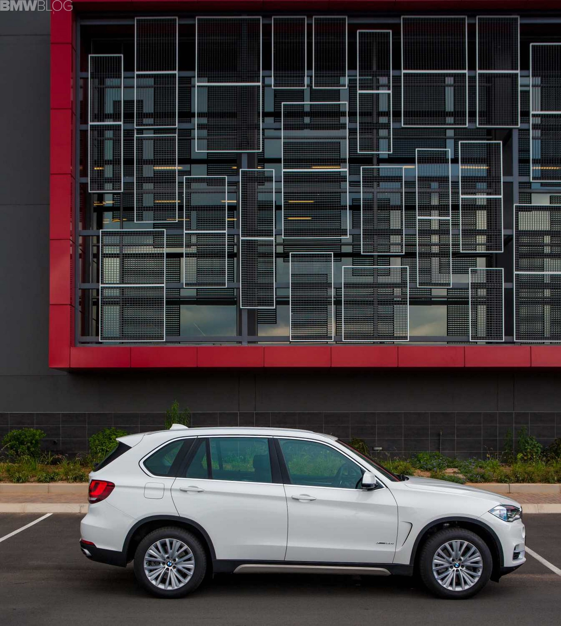 Bmw Xdrive50i Price: Wallpapers: BMW X5 With Pure Experience Package