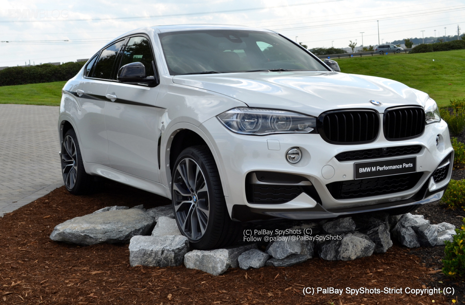 aa215faae90 2015 BMW X6 with M Performance Parts