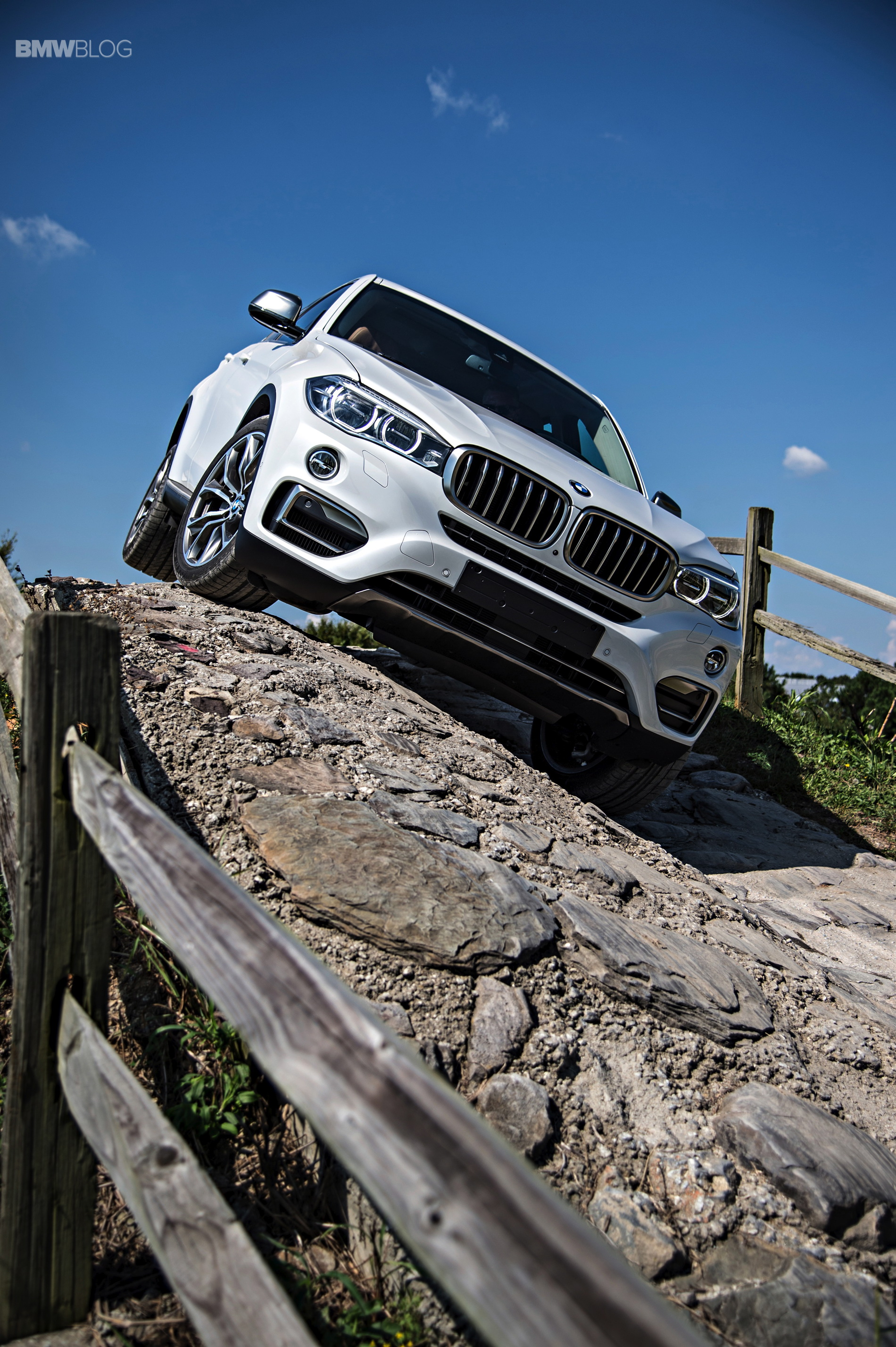 See The New 2015 Bmw X6 Going Offroad
