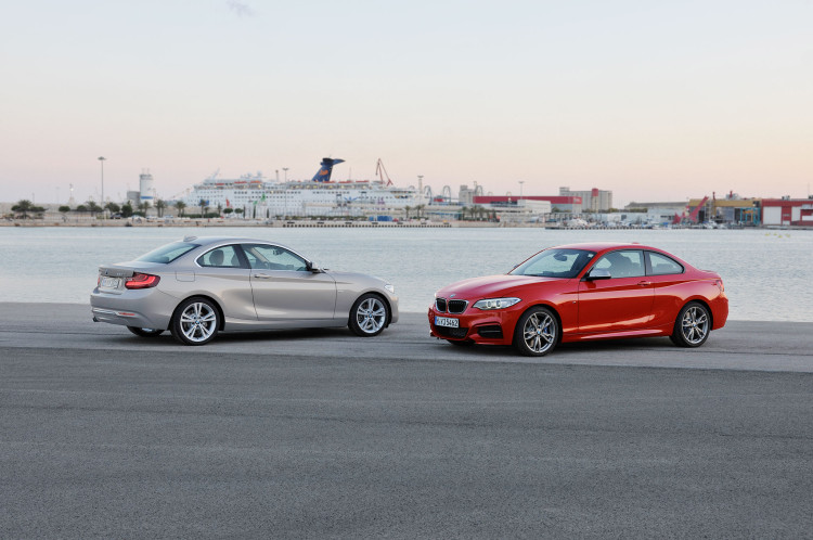 2014-bmw-2-series-coupe-side-three-quarters