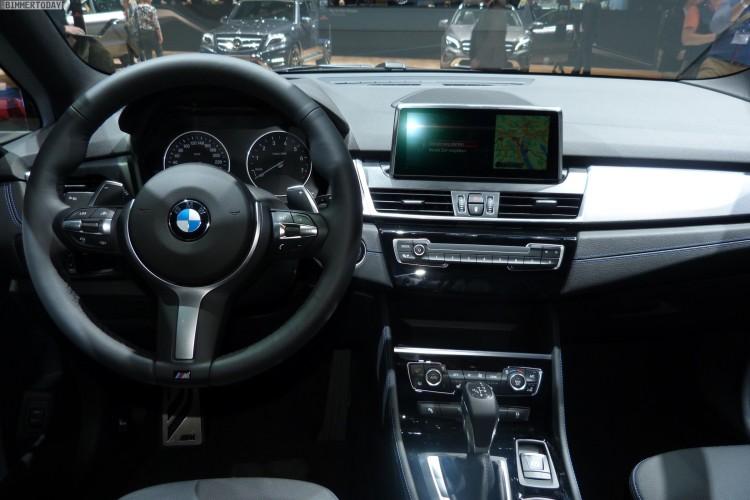 BMW 2er Gran Tourer F46 2015 220i M Paket Estoril Blau Interieur Genf Autosalon Live 05 750x500