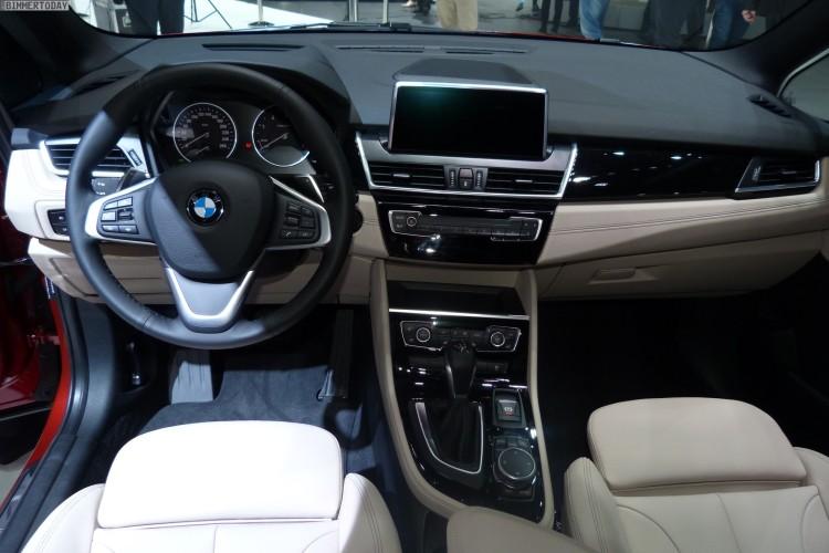 BMW-2er-Gran-Tourer-F46-220d-xDrive-2015-Interieur-Autosalon-Genf-LIVE-02