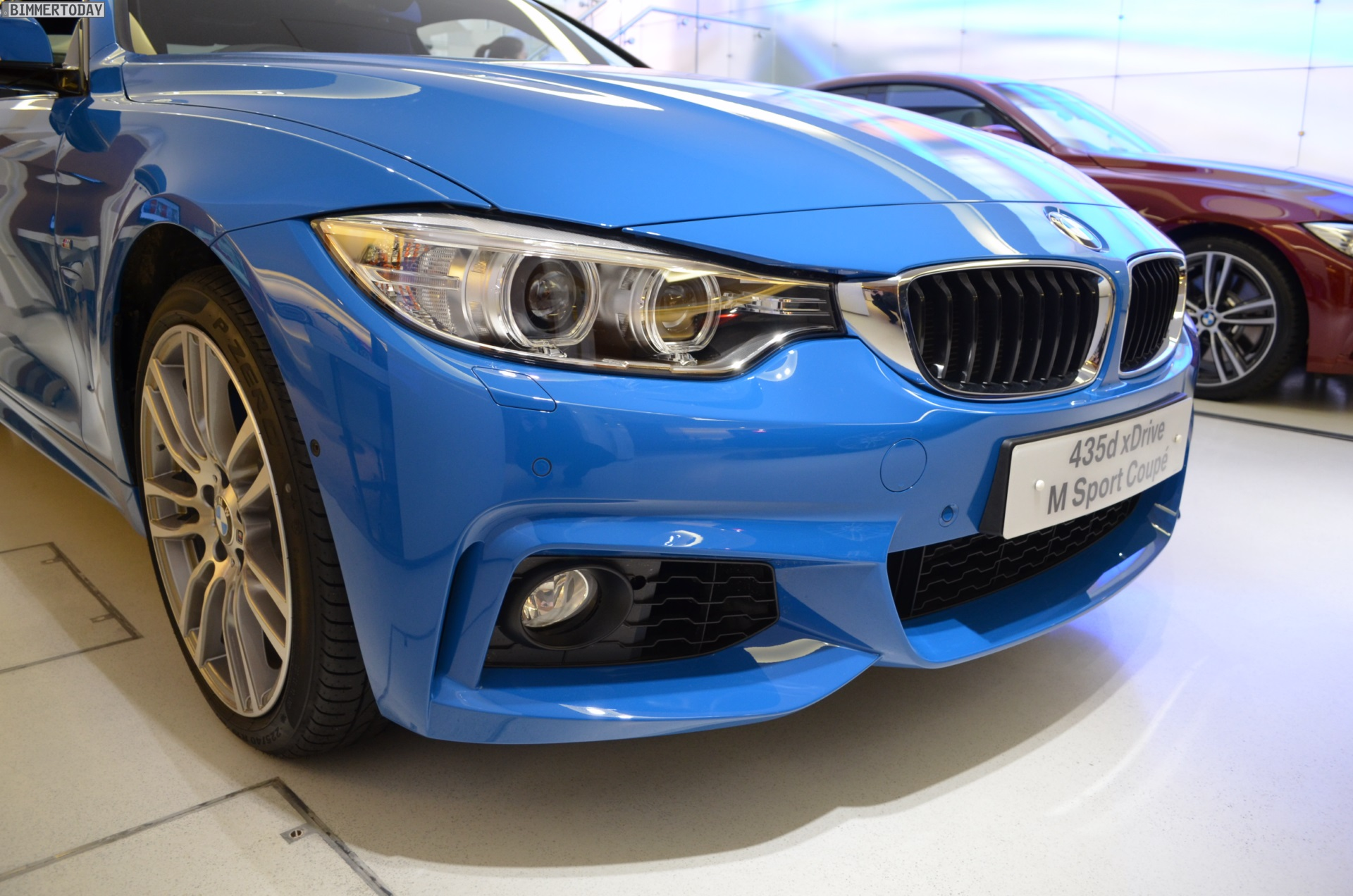 BMW Individual Pure Blue 4er Coupe F32 11