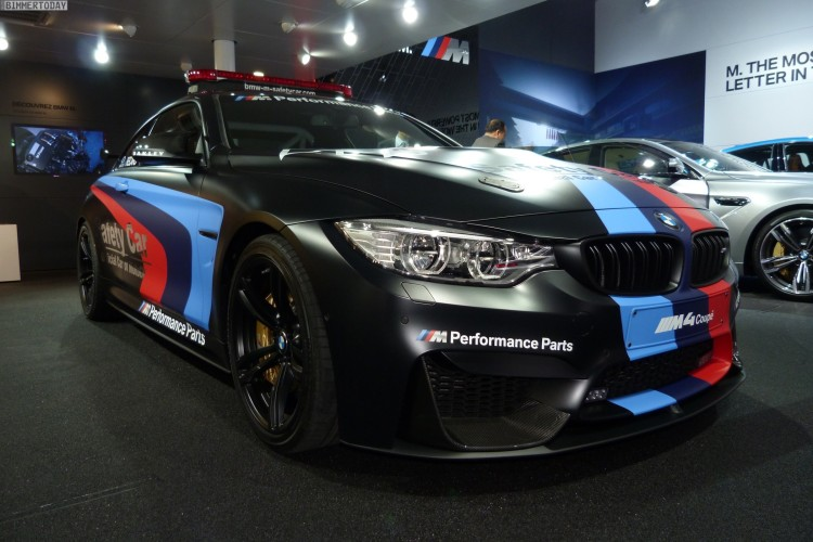 BMW M4 Coupe F82 Safety Car MotoGP Genf Autosalon 2015 LIVE 01 750x500