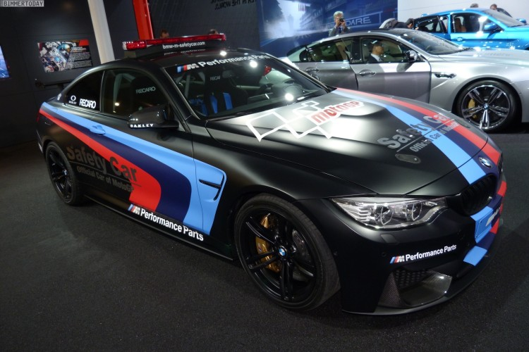 BMW M4 Coupe F82 Safety Car MotoGP Genf Autosalon 2015 LIVE 06 750x500
