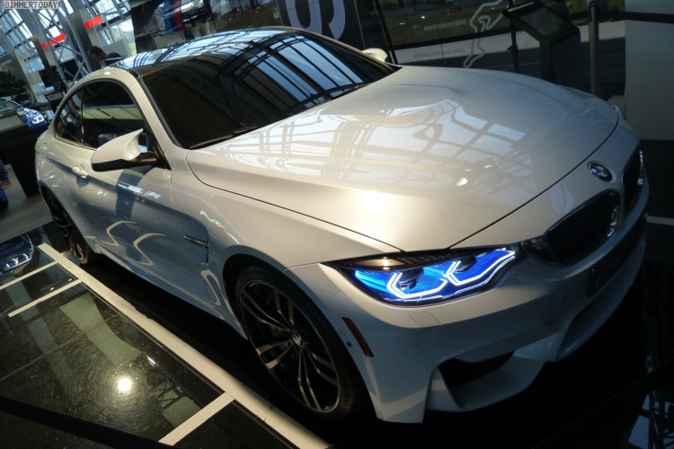 BMW M4 Iconic Lights Laser OLED Coupe F82 Welt 2015 15 750x500