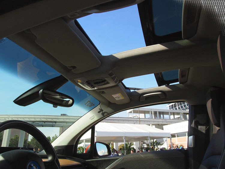 BMW_i3_Interior_Sun_Roof_Wide