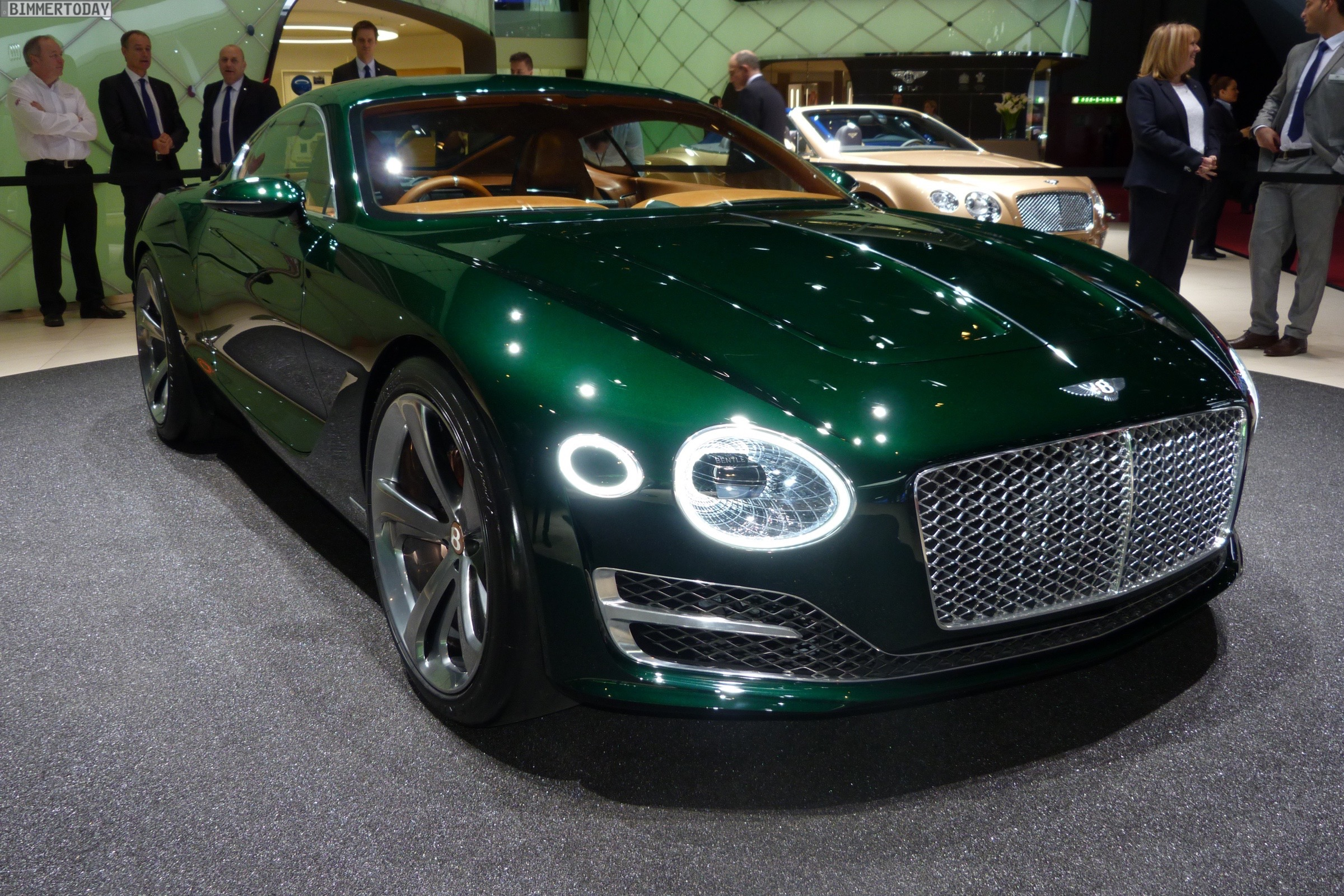 Bentley EXP 10 Speed 6 Concept Car 2015 Genf Autosalon Live 11