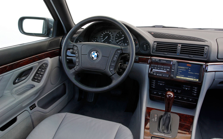 bmw-750il-v12-e38-interior