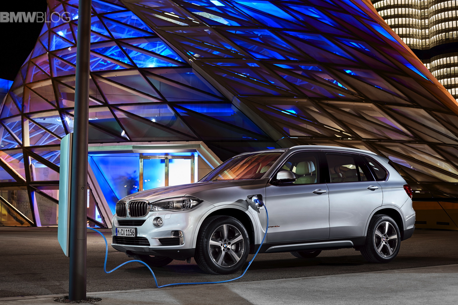bmw x5 xdrive40e images 12