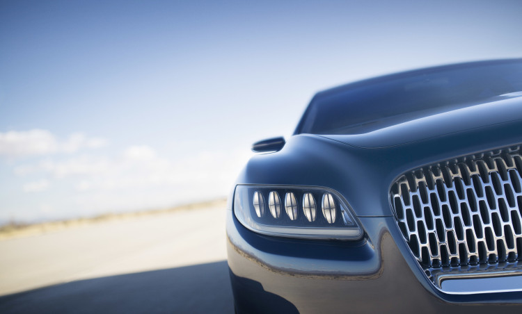 lincolncontinentalconcept-11-detail-headlamp-1