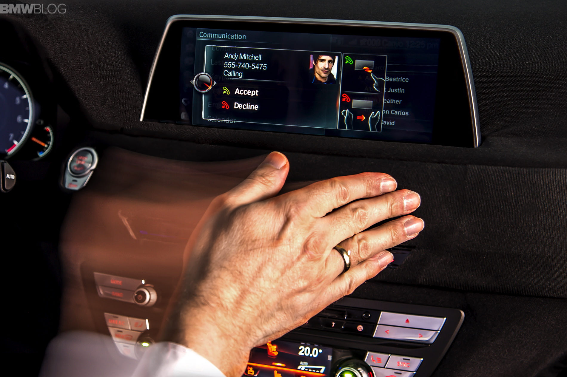 demo idrive system with gesture control