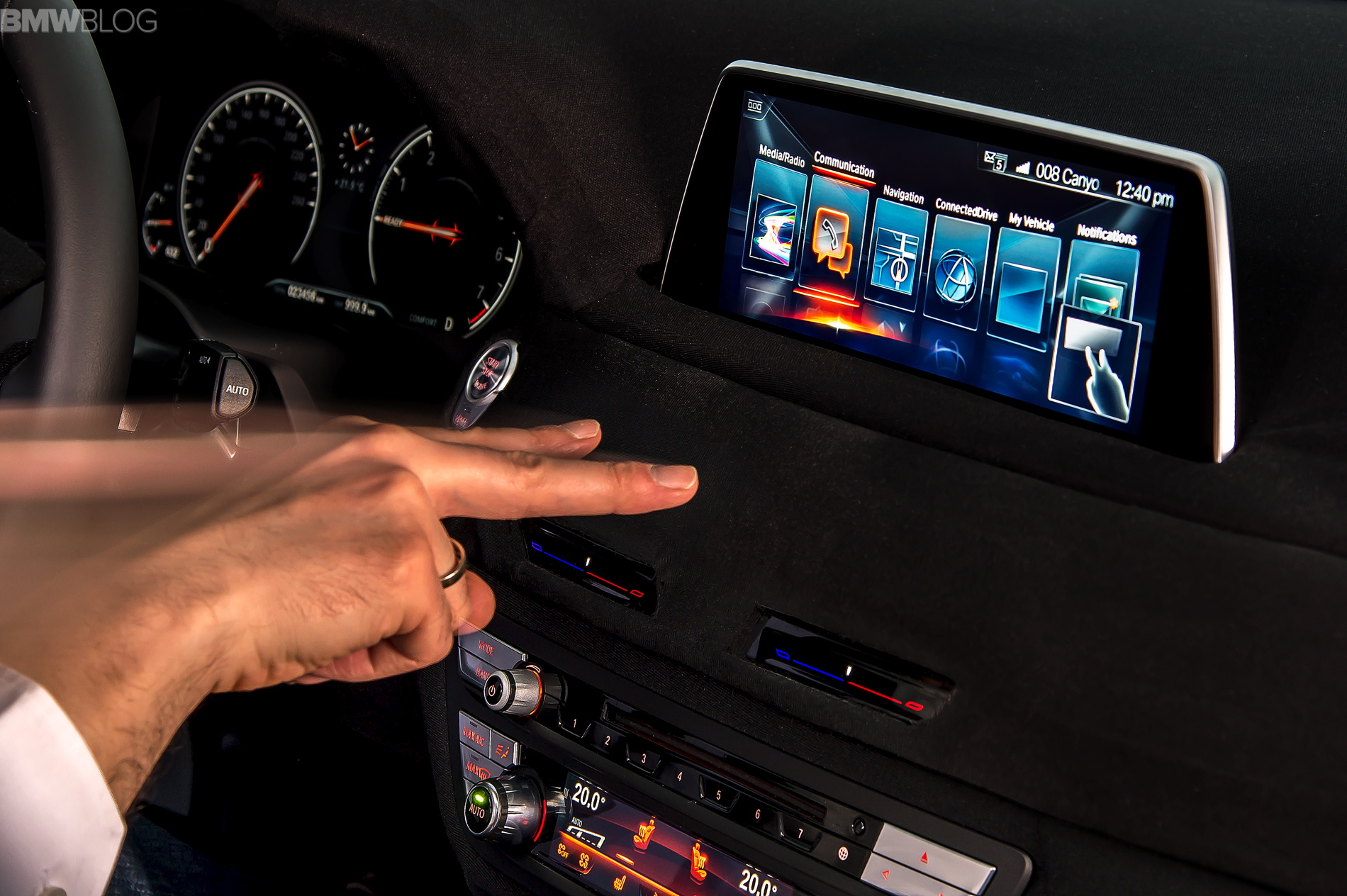 2016 bmw 7 series hand gestures images 04