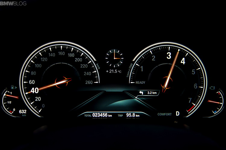 2016-bmw-7-series-instrument-cluster-images-01