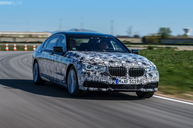 2016-bmw-7-series-test-drive-13