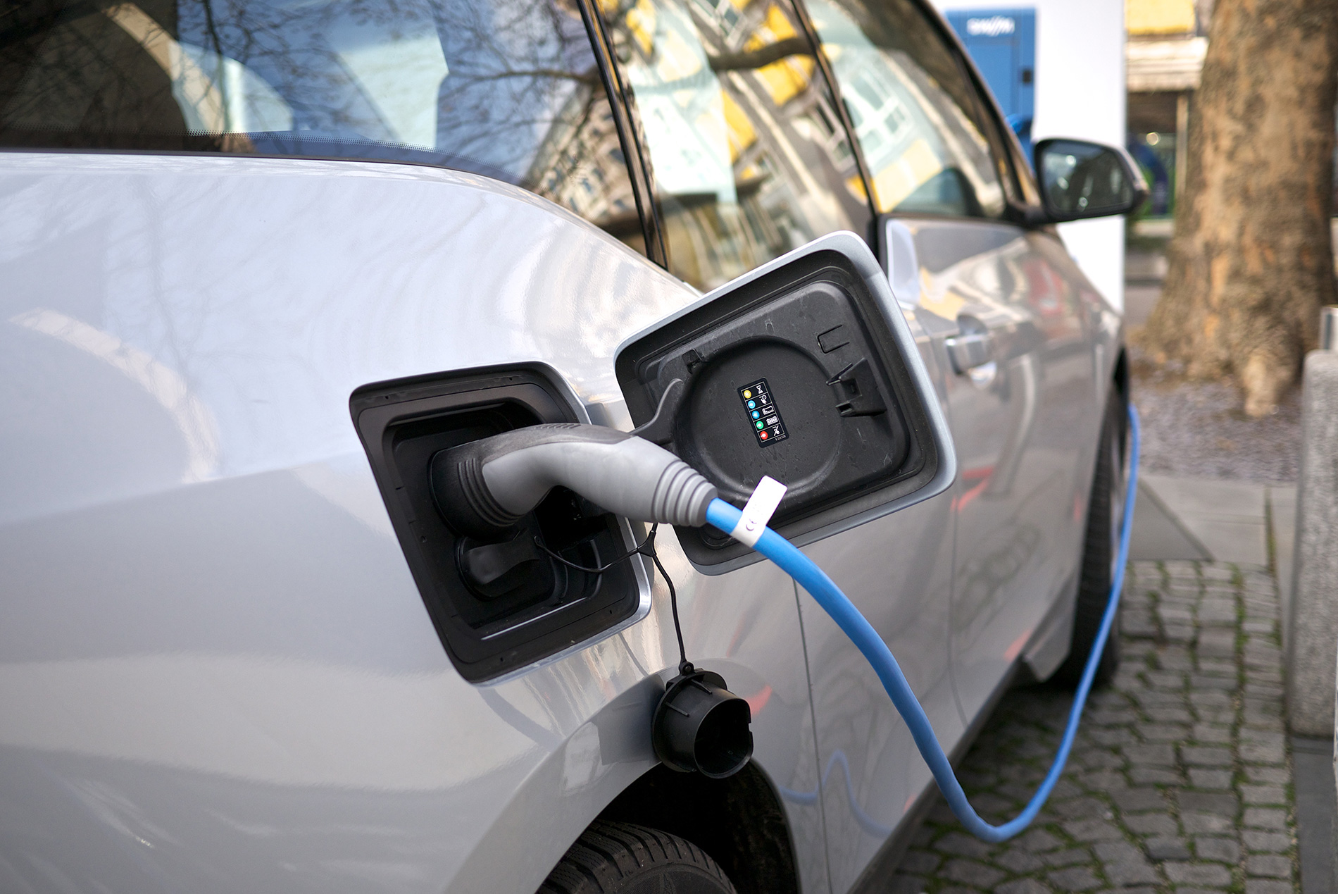 Choosing The Right Home Charging Solution For Your Electric Car