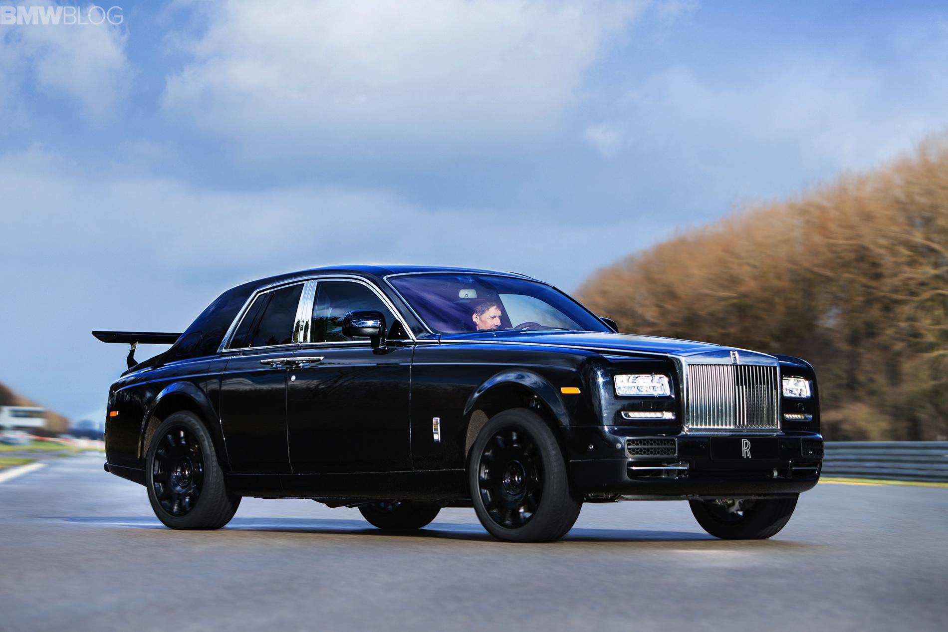 Rolls Royce Cullinan suv image 02
