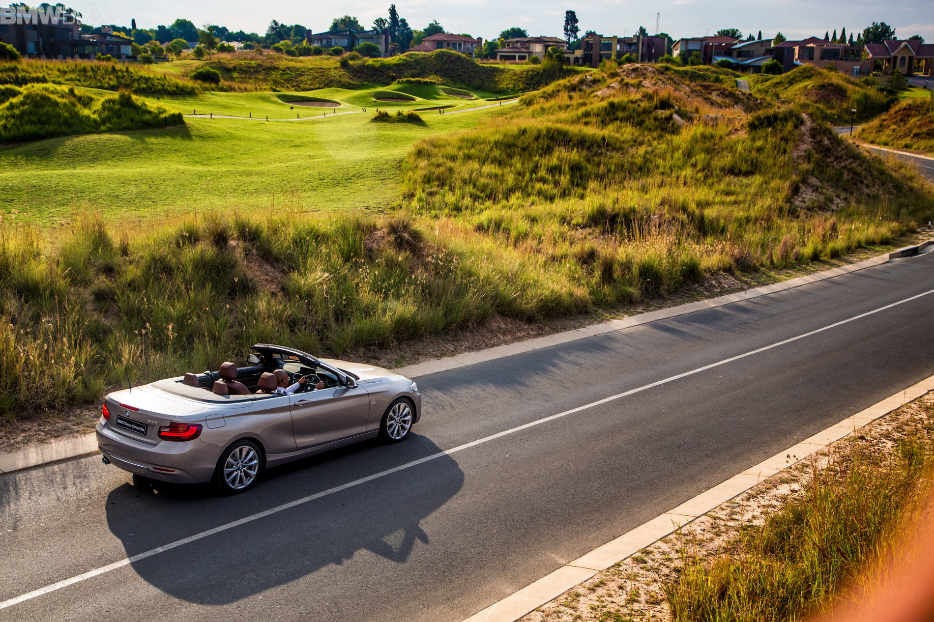 bmw 2 series convertible Moonlight Silver 47