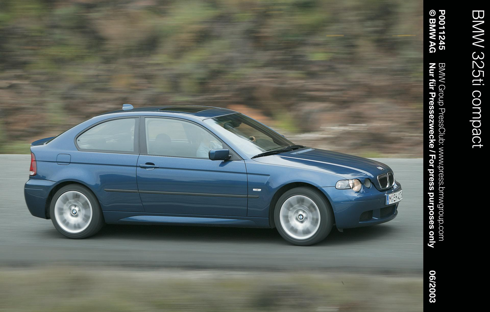 Car Throttle's E46 BMW 3 Series Compact Gets Chameleon Wrapped