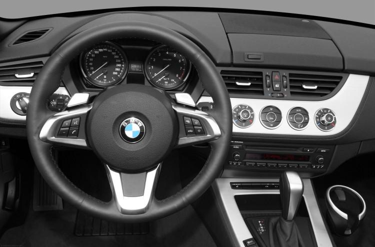 bmw z4 steering wheel 750x495