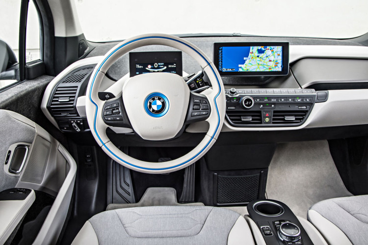 bmw i3 steering wheel 750x499