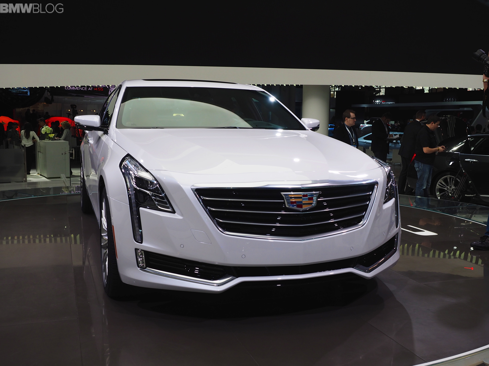 cadillac ct6 new york auto show images 11
