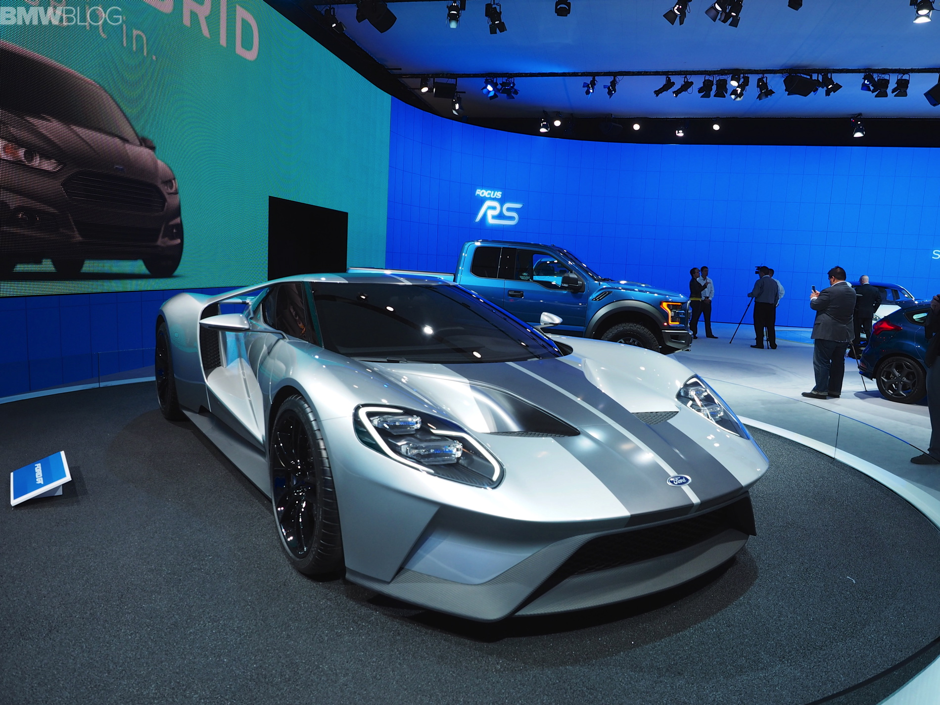 Ford wows New York with new GT car 2015 NYIAS