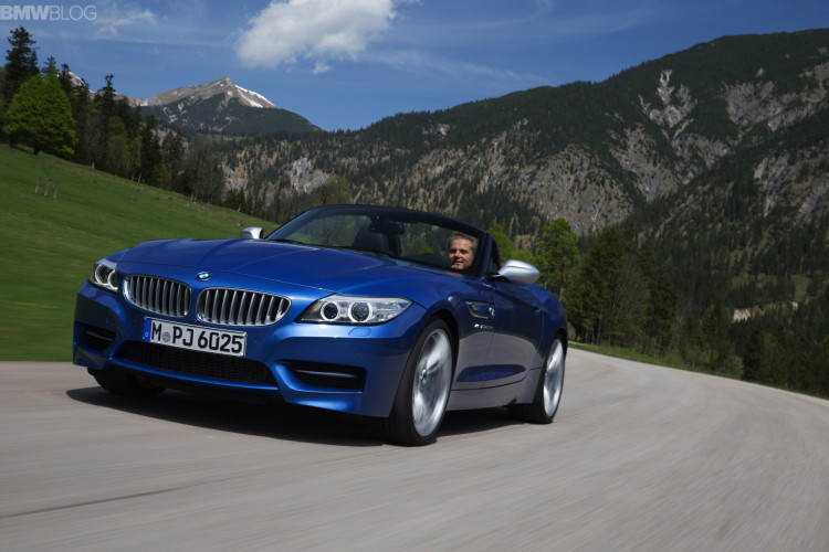 2015 bmw z4 estoril blue 1900x1200 images 56 750x500