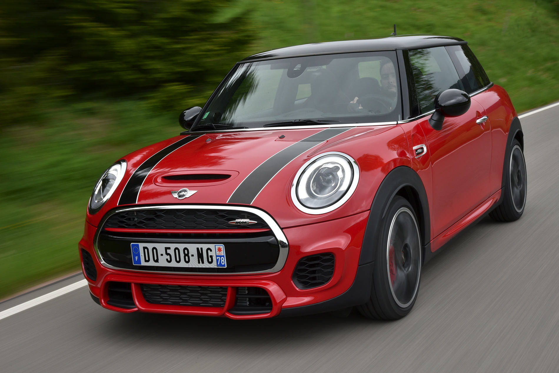 mini john cooper works f56 in chili red. Black Bedroom Furniture Sets. Home Design Ideas