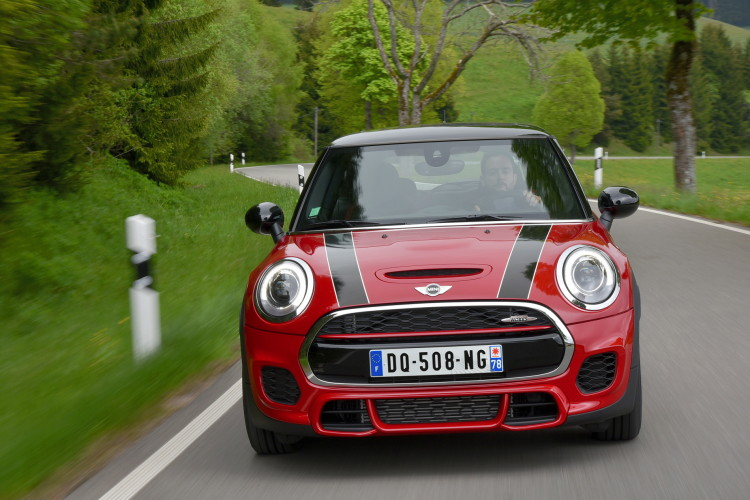 2015 mini john cooper works images 1900x1200 12 750x500