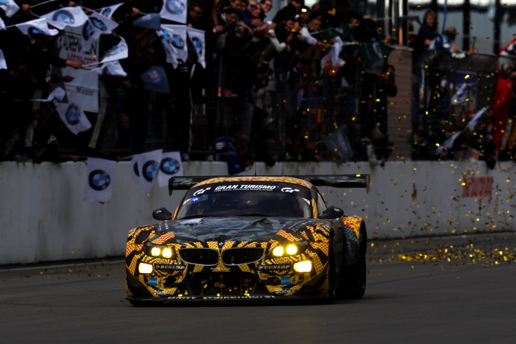 2015-nurburgring-24-hr-winners-images-12