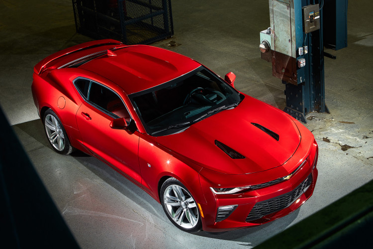 2016 chevrolet camaro top view front three quarter 750x500