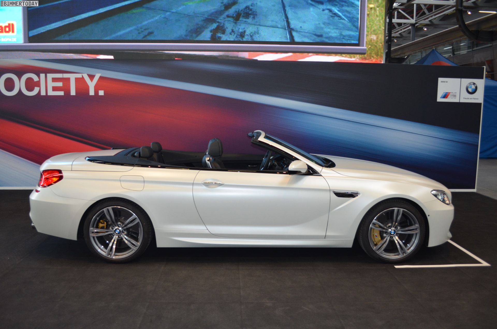 2015 Bmw M6 Convertible In Frozen White