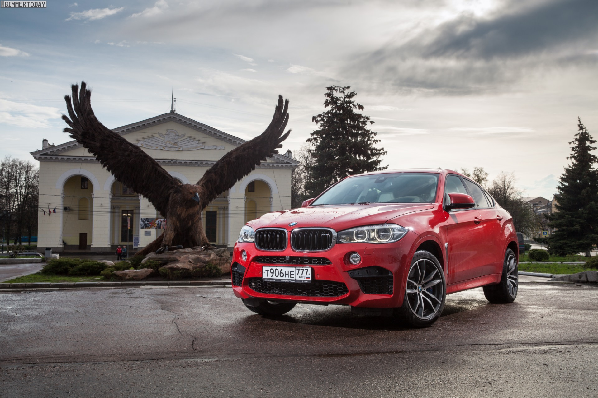 BMW X6 M F86 Melbourne Rot Red 10