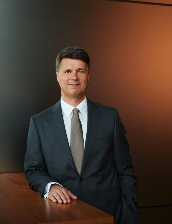 Harald Kruger bmw CEO image 01 576x750