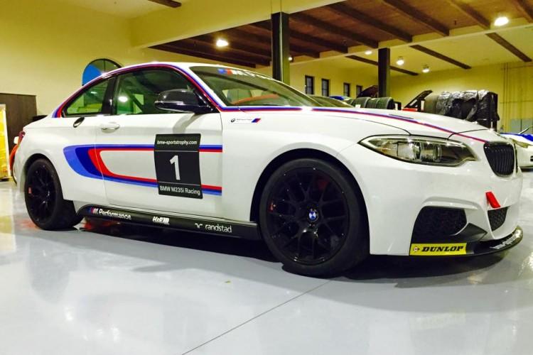 bmw m235i racing car usa 750x500