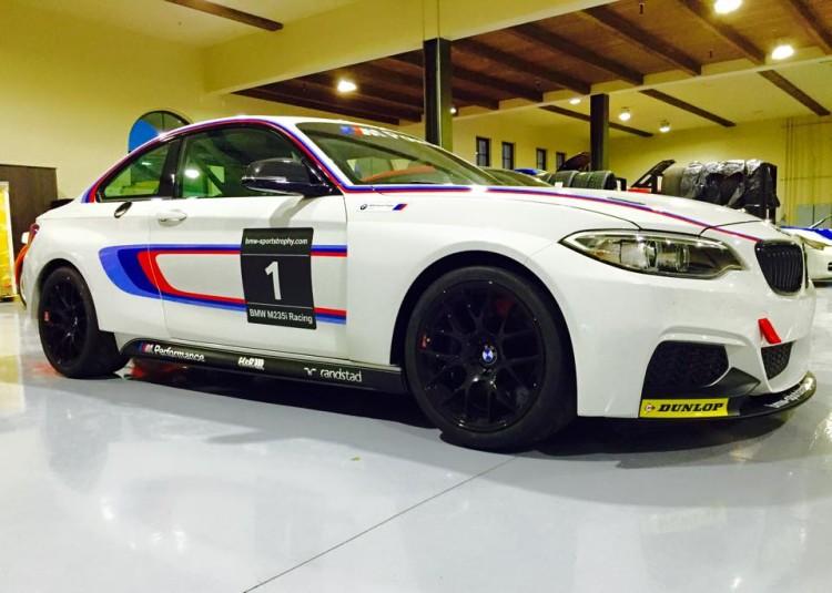 bmw m235i racing car usa 750x535