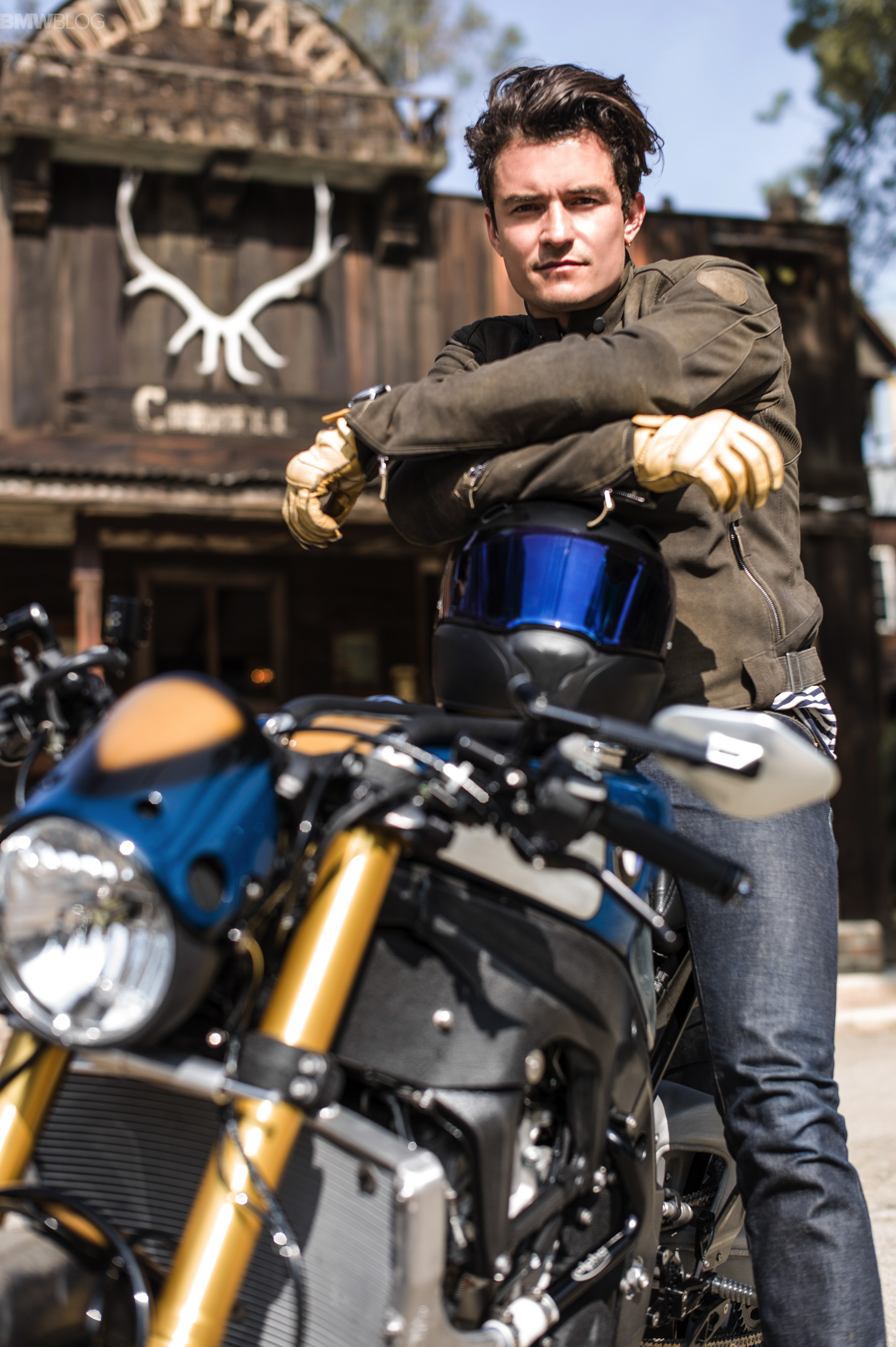 Bmw Motorrad And Orlando Bloom Present The Bmw S 1000 R Custom