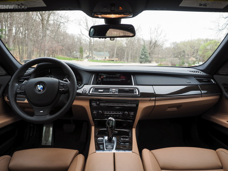 2015-bmw-740Ld-xDrive-test-drive-images-1900x1200-22