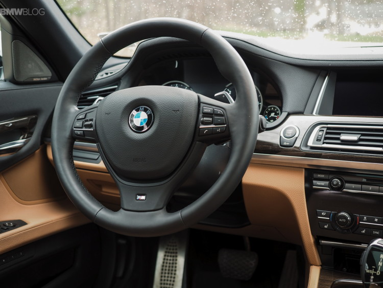 2015-bmw-740Ld-xDrive-test-drive-images-1900x1200-23