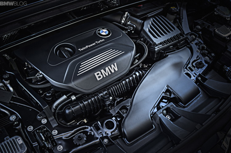 2016-BMW-X1-engines--1900x1200-images-01