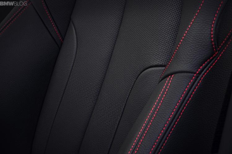 2016-BMW-X1-interior--1900x1200-images-03