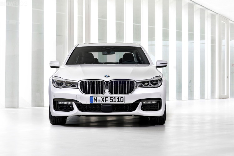2016 bmw 7 series M Sport Package images 1900x1200 13 750x500