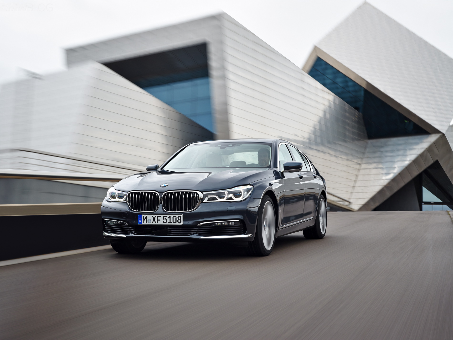 2016 bmw 7 series exterior images 1900x1200 03