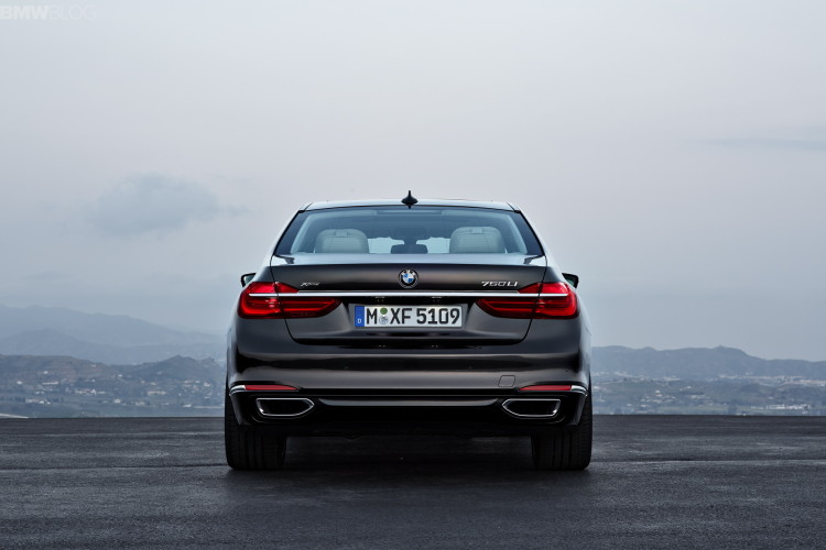 2016-bmw-7-series-exterior-images-1900x1200-19