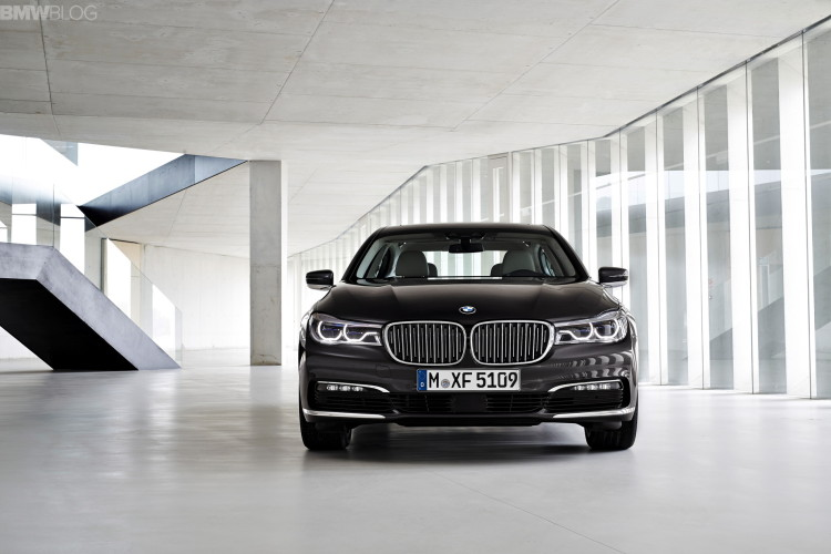 2016 bmw 7 series exterior images 1900x1200 20 750x500