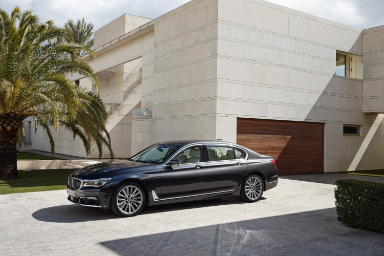 2016 bmw 7 series exterior images 1900x1200 24 750x500
